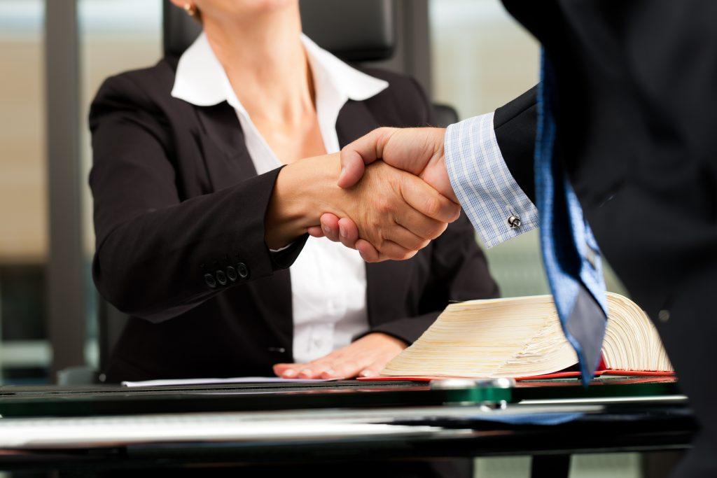 La Mejor Firma Legal de Abogados en Español de Acuerdos en Casos de Compensación Laboral, Mayor Compensación de Pago Adelantado en Diamond Bar California